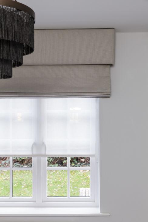Window Treatments The White House Interiors Phòng ngủ phong cách hiện đại