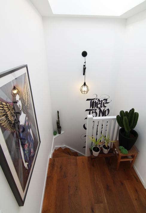 Diego Alonso designs Moderner Flur, Diele & Treppenhaus