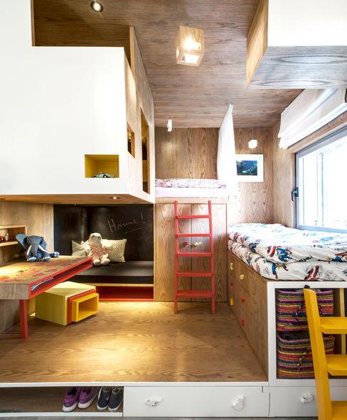 Duplex Penthouse in Tel Aviv toledano + architects Chambre d'enfant minimaliste Bois