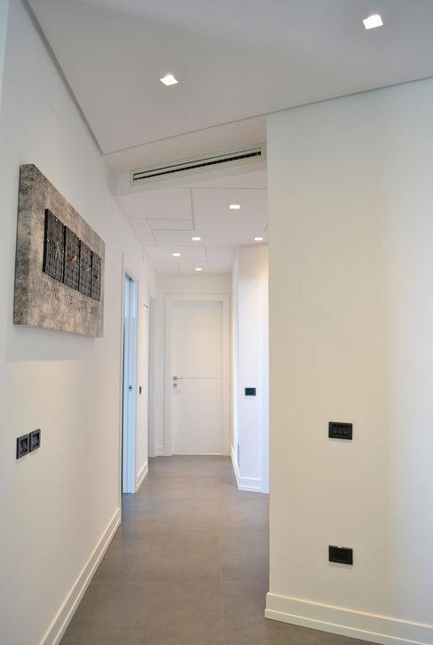 tizianavitielloarchitetto Moderne gangen, hallen & trappenhuizen