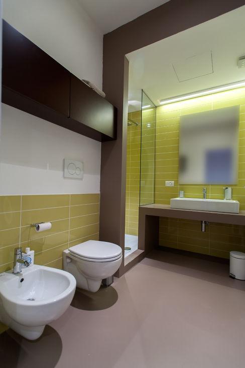 2bn architetti associati Salle de bain moderne