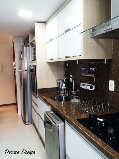DecaZa Design 現代廚房設計點子、靈感&圖片 MDF Multicolored
