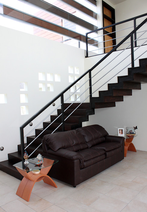 Arquimia Arquitectos Modern corridor, hallway & stairs