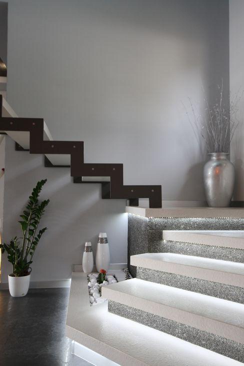 Studio Ferlenda 現代風玄關、走廊與階梯