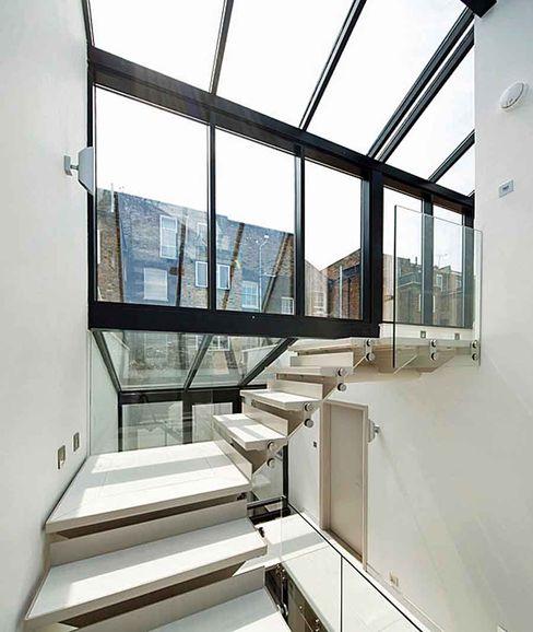 Primrose Hill - modern luxury kitchen featuring Porcel-Thin polished white 120x60cm porcelain tiles Porcel-Thin Pasillos, vestíbulos y escaleras de estilo moderno Azulejos Blanco