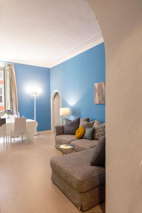 Luxury Apartment in Rome-Piazza di Spagna Tania Mariani Architecture & Interiors Soggiorno eclettico Marmo Blu