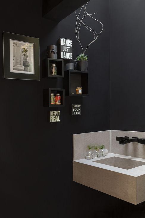 Eliane Mesquita Arquitetura Modern bathroom Quartz Black
