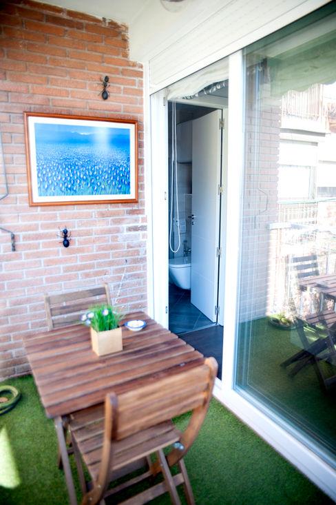 Arquigestiona Reformas S.L. Modern balcony, veranda & terrace