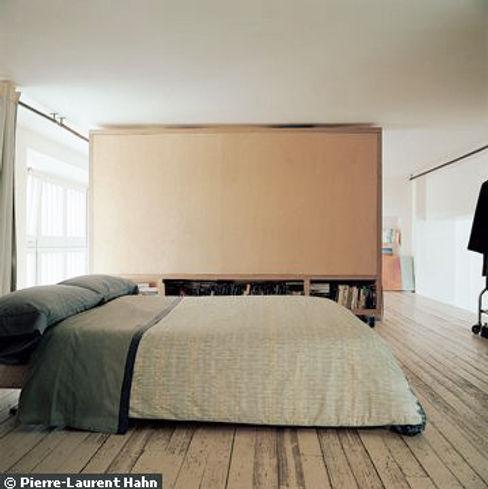 Transformation d'un atelier en appartement à Paris 111 architecture Chambre minimaliste