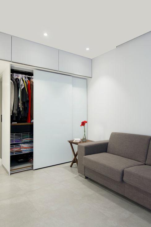 Nitido Interior design EstudioArmarios y estanterías Vidrio Blanco