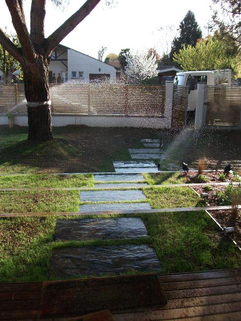 Pas japonais sur gazon Constans Paysage Jardin minimaliste