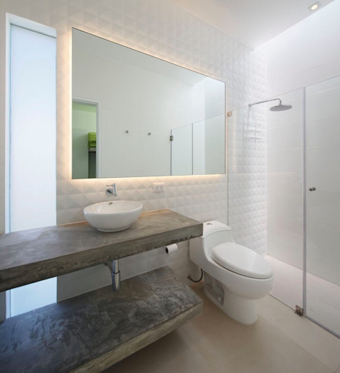 Casa Maple Martin Dulanto 現代浴室設計點子、靈感&圖片