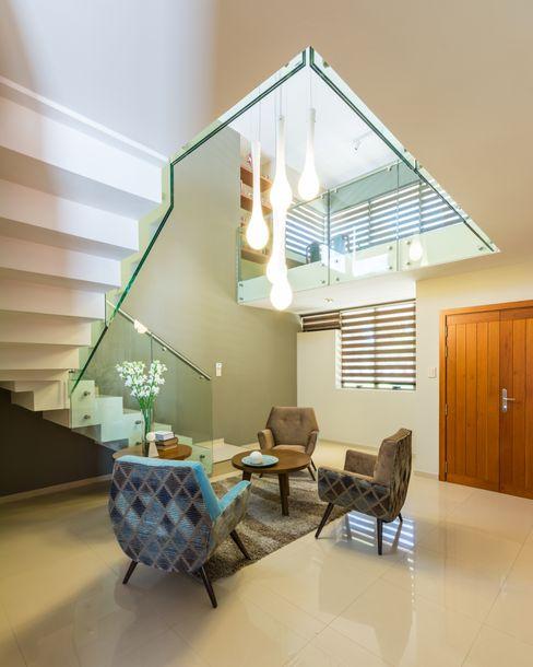 KARLEN + CLEMENTE ARQUITECTOS Modern Living Room Glass Beige