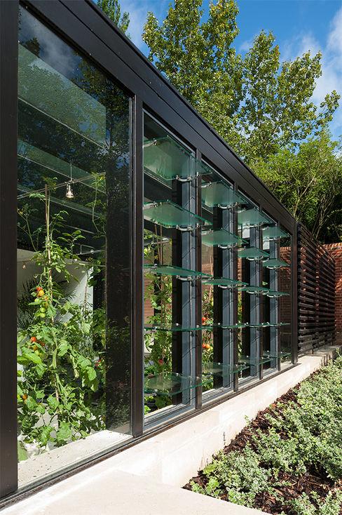 Itchen Greenhouse Ayre Chamberlain Gaunt Minimalistische Garagen & Schuppen