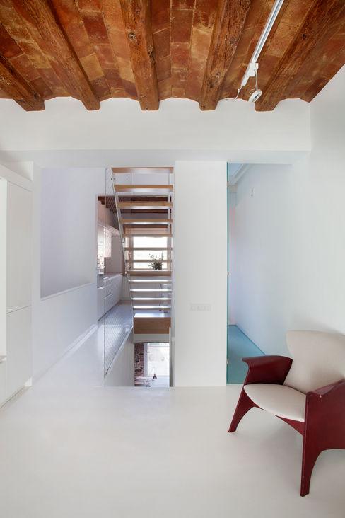 Viladecavalls House CABRÉ I DÍAZ ARQUITECTES Minimalistische Wohnzimmer