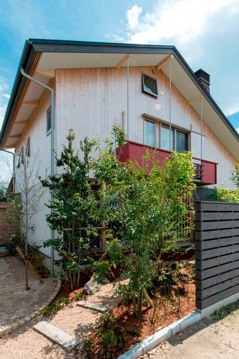 AMI ENVIRONMENT DESIGN/アミ環境デザイン Casas de estilo asiático