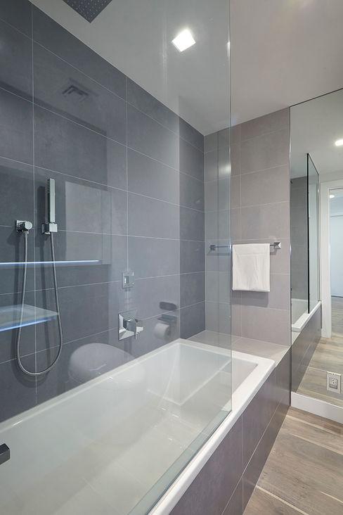 Andrew Mikhael Architect Minimalist style bathroom Grey