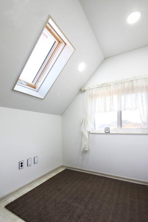 동화 속에 나오는 언덕 위 나의 집(충주 괴동리) 윤성하우징 클래식스타일 침실