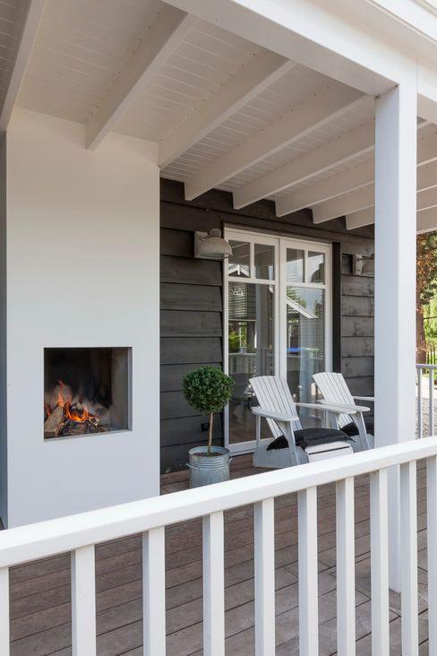 Landelijke woning Brand I BBA Architecten Landelijke balkons, veranda's en terrassen