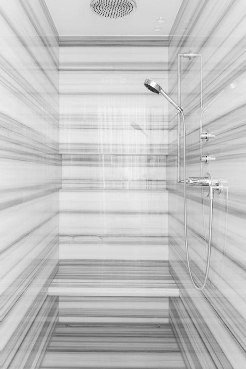 homify Salle de bainBaignoires & douches