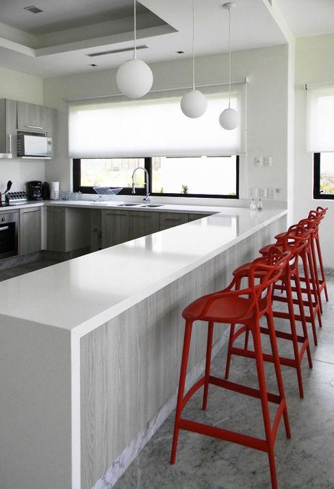 MAAD arquitectura y diseño CocinaMesas, sillas y bancos