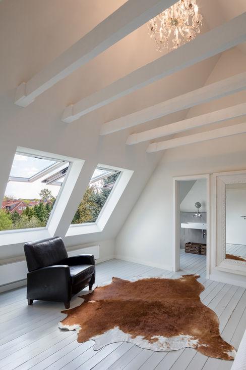 HAUS M HAMBURG REICHWALDSCHULTZ Hamburg Klassische Schlafzimmer Weiß