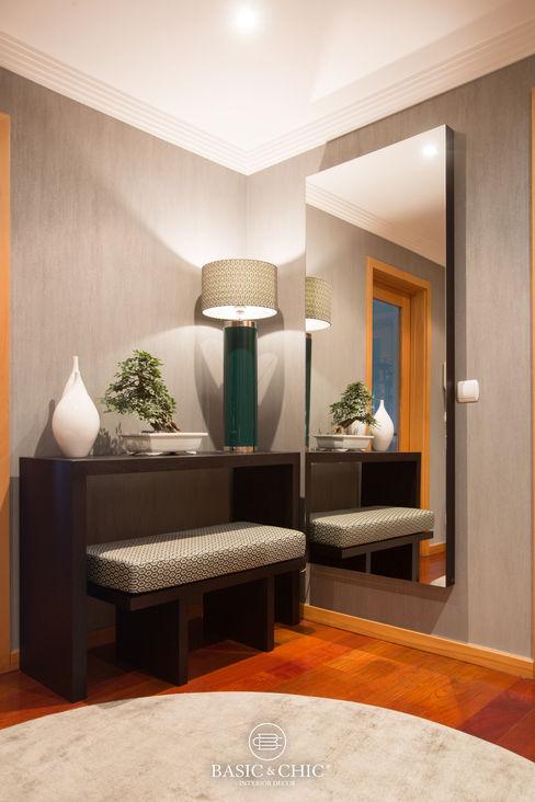 Basic & Chic Couloir, entrée, escaliersAccessoires & décorations Marron