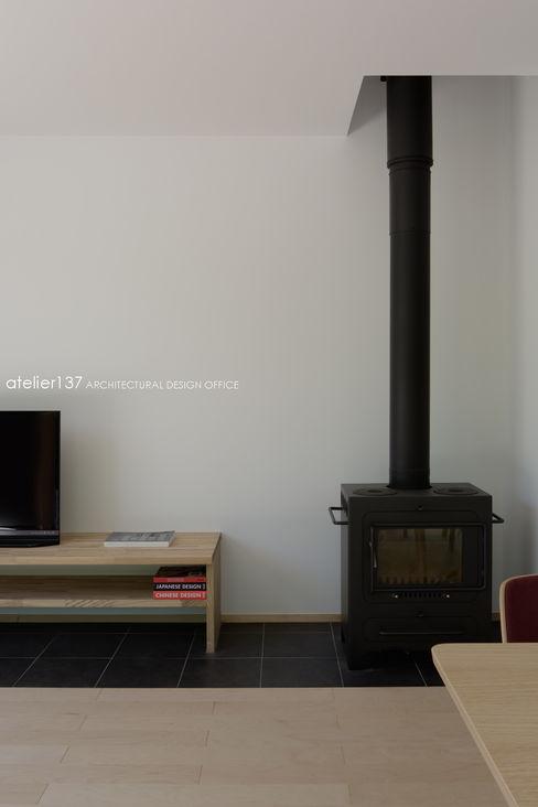 atelier137 ARCHITECTURAL DESIGN OFFICE 客廳 鐵/鋼 Black