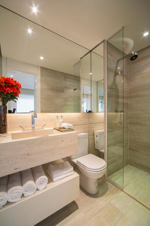 homify Minimalist style bathroom Beige