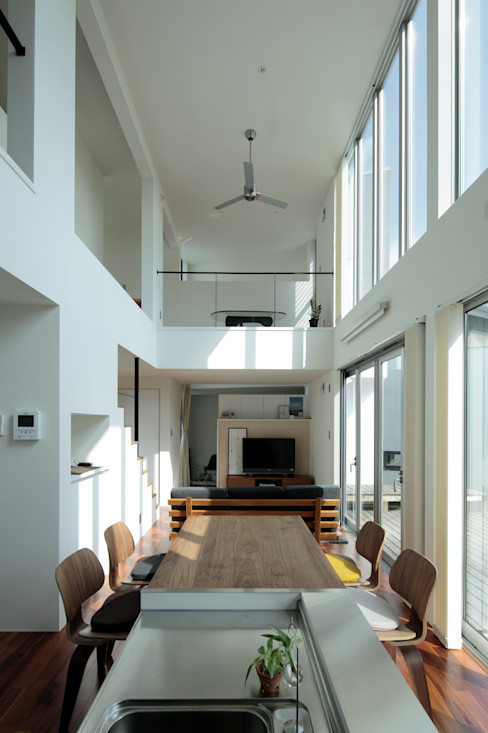 AtelierorB Modern dining room