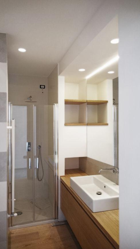 bagno interno M2Bstudio Bagno minimalista Legno Bianco