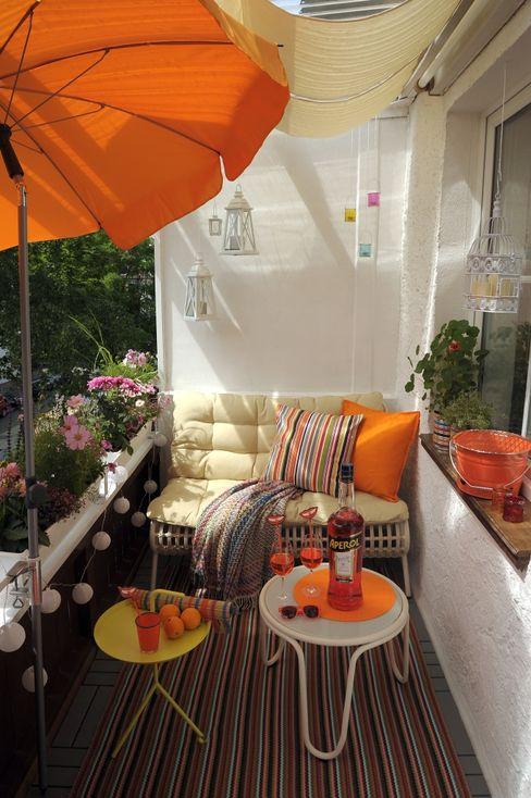 DIE BALKONGESTALTER Modern balcony, veranda & terrace