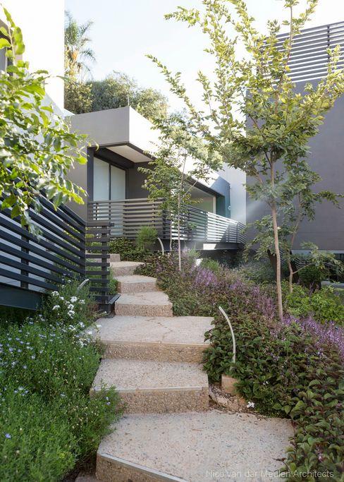 Concrete House Nico Van Der Meulen Architects Jardin moderne