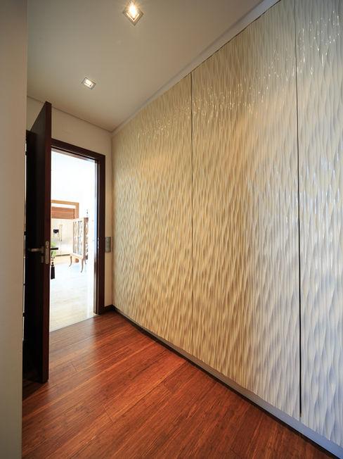 Atelier Ana Leonor Rocha Mediterranean style dressing room