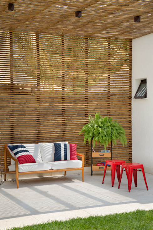 homify Balkon, Beranda & Teras Modern Bambu