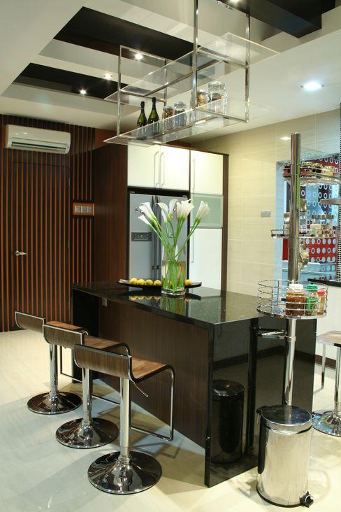 Tropical Retreat | SEMI-DETACHED Design Spirits Kitchen