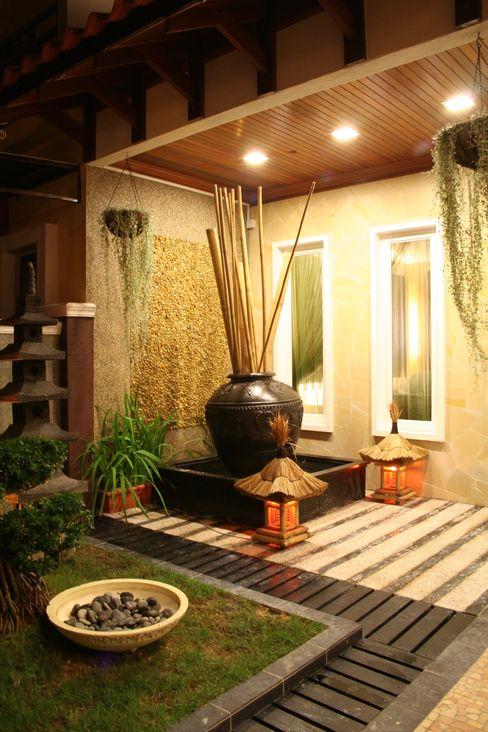Tropical Retreat | SEMI-DETACHED Design Spirits Tropical style houses