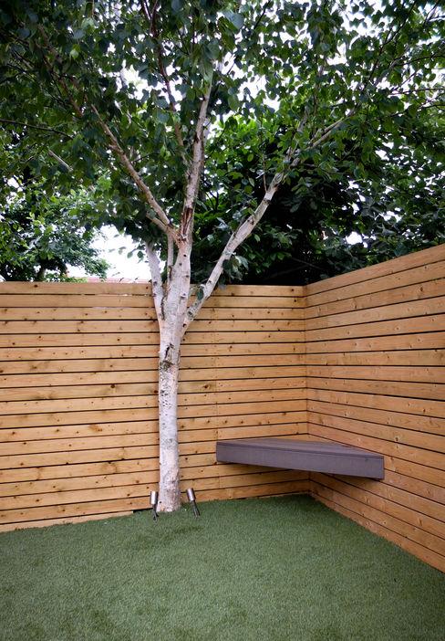 Small, low maintenance garden Yorkshire Gardens Jardin minimaliste Bois