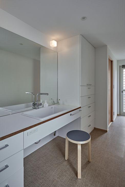 校舎がみえる家 toki Architect design office モダンスタイルの お風呂