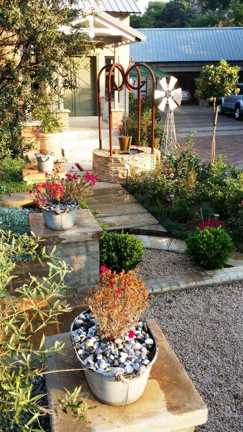 Waterkloof Gorgeous Gardens Front yard