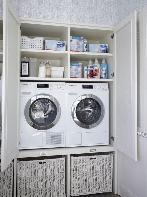 Lavadora y secadora en altura, para una mayor ergonomía DEULONDER arquitectura domestica Cocinas de estilo rústico Blanco