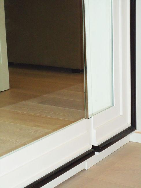 specchio che nasconde PAZdesign Spogliatoio eclettico Bianco
