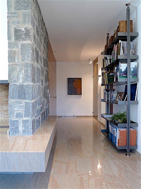 Swiss penthouse, effortless restyling MD Creative Lab - Architettura & Design Modern corridor, hallway & stairs