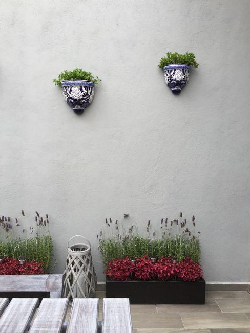 Choapan Decor by Erika Winters®Design Erika Winters® Design Hiên, sân thượng phong cách mộc mạc