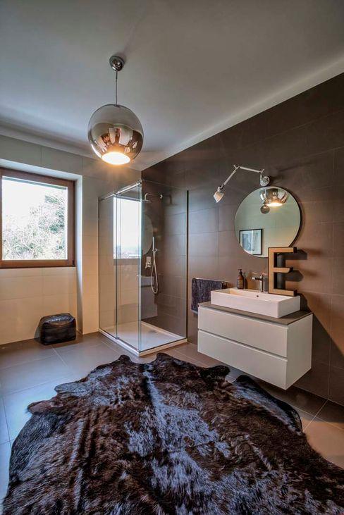 mg2 architetture Modern Bathroom