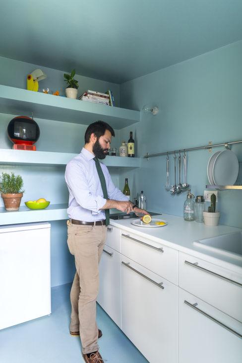 Batipin flat - studio wok studio wok Cucina moderna