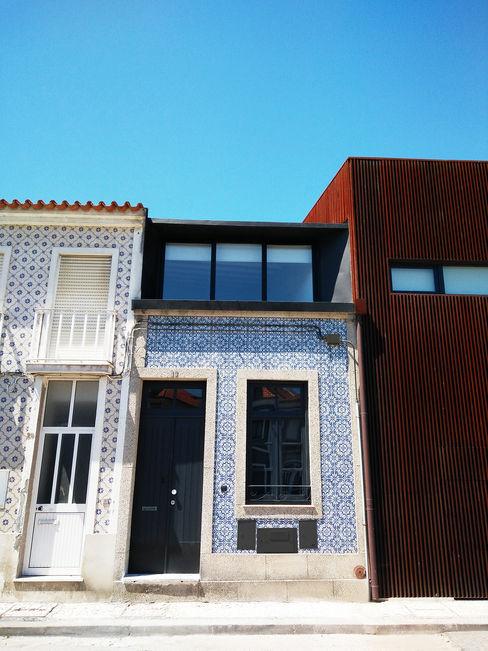 GRAU.ZERO Arquitectura 미니멀리스트 주택