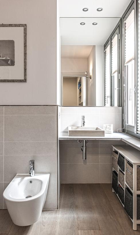BRANDO concept Modern bathroom
