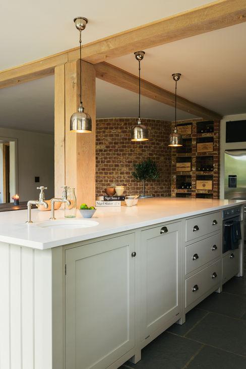 The Henley on Thames Kitchen by deVOL deVOL Kitchens Nhà bếp phong cách mộc mạc Grey
