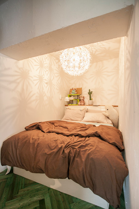 S邸-四つの窓ごとにシーンが切り替わる 株式会社ブルースタジオ モダンスタイルの寝室